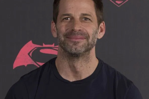 Zack Snyder hopes he gets to make more DC films in future - Hollywood News in Hindi