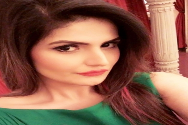 Zareen Khan on playing a gay character: Just had to be honest to emotion of love - Bollywood News in Hindi
