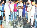 Two drunken girls beat the young man and burnt his bike in Ludhiana
