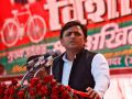 akhilesh did a huge rally in maharaganj attacked on pm modi