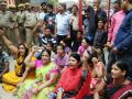 bhadohi news : Bhadohi lockup case : family of SI sitting on the dharna
