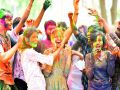 Holi 2021: If the color of Holi goes in your eyes, follow these easy tips