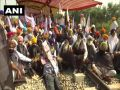 Demonstration of farmers in Punjab continues against agricultural bills