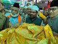 Naqvi offers Chadar at Ajmer dargah on PM behalf