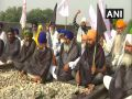 Protest against farmers by wearing black clothes in Punjab to protest against agricultural laws