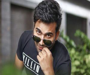 Abhinandan drops Jindal from his screen name - Hindi News