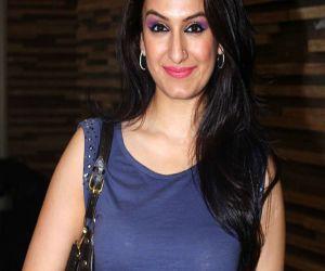 Akriti Kakkar and her team craved for energy of live stage - Hindi News