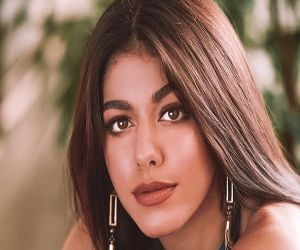 Alaya F: I put my phone aside if I get overwhelmed with social media - Hindi News Portal