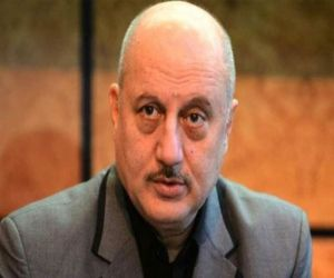 Anupam Kher: Wife, son keep me grounded - Hindi News