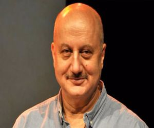 Anupam Kher sees light despite the darkness - Hindi News