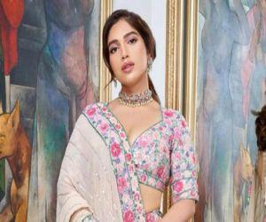Bhumi Pednekar advocates holistic beauty, collaborates with Boddess.com - Hindi News