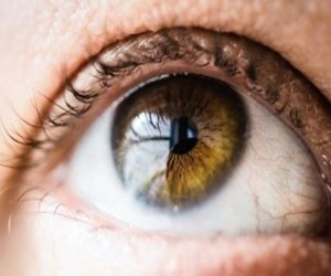 Dry eyes, digital screen strain, growing cases of mature cataracts - Hindi News Portal