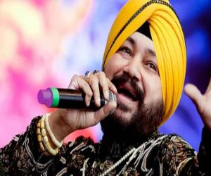 Daler Mehndi out with his new track Rola Pe Gaya - Hindi News
