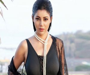 Debina Bonnerjee celebrates lockdown birthday second year in a row - Hindi News