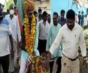 To celebrate Indra Devta in Vidisha area, the trick of riding a donkey - Hindi News Portal