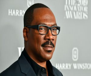 Eddie Murphy on Hollywood: White men run this business - Hindi News