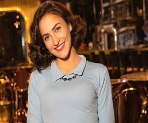 Elli AvrRam on returning home: Missed spending time with family - Hindi News
