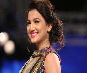 Gauahar Khan looks back on how she thrived in entertainment for 19 yrs - Hindi News