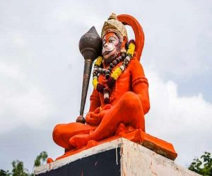 To please Hanumanji, do this special remedy for a pair of cloves, the locks of luck will open. - Hindi News