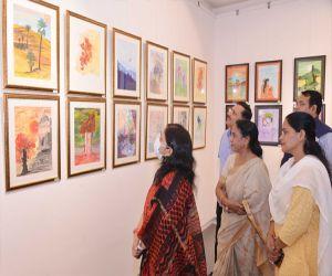 Painting exhibition of former IAS Shuchi Sharma inaugurated Colorful Balloons - Hindi News