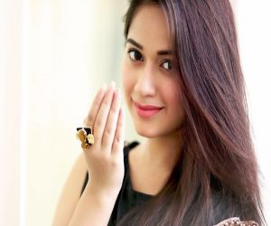 Jannat Zubair celebrates 30m Insta followers with vax drive - Hindi News