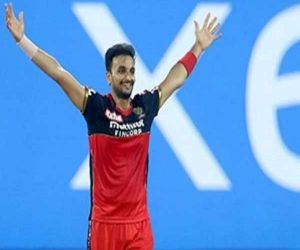 Knew the slack would not benefit from the ball, so worked on the yorker: Harshal - Hindi News Portal
