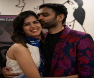 Maanavi Bedi found it difficult to direct husband Karan Mally on romantic scenes - Hindi News