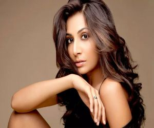 Monica Dogra is femme fatale in upcoming drama Cartel - Hindi News