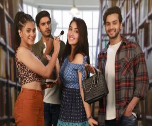 Poster of Ashnoor Kaur debut web show Pari Hun Mein launched - Hindi News Portal
