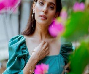 Priya Bapat completes shooting for the web show Aani Kay Hava 3 - Hindi News