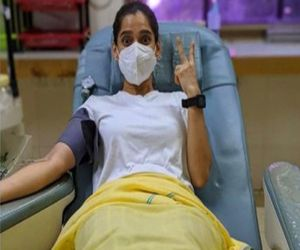 Priya Bapat donates blood after Covid recovery - Hindi News