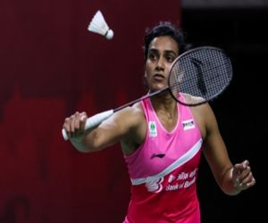 Olympics: Sindhu starts campaign with easy win - Hindi News Portal