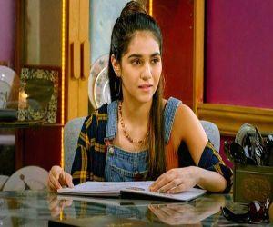 Influencer Radhika Seth makes acting debut with Call My Agent - Hindi News