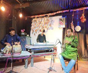 Ustad Rasid Khan composed songs on net-theatre - Hindi News
