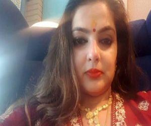 Recent pictures of Mamta Kulkarni surface on the Internet - Hindi News