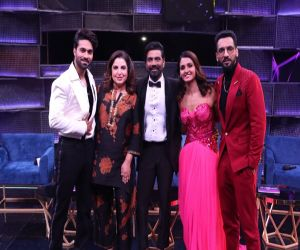 Remo DSouza breaks down as contestants showcase his legacy - Hindi News