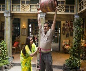 Saif puts on weight to play railway ticket collector in Bunty Aur Babli 2 - Hindi News