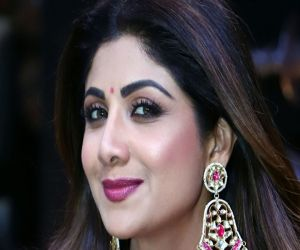 Shilpa Shetty says her husband canot sing - Hindi News