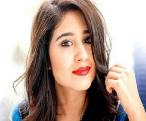 Shweta Tripathi shoots in Benaras amid Covid rise - Hindi News