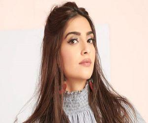 Follow Sonam Kapoor night skincare regime - Hindi News