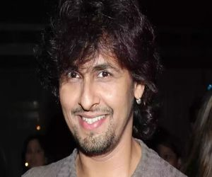 Sonu Nigam delivers a heartwarming performance on Unacademy Unwind - Hindi News
