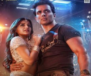 First look of Saath Kya Nibhaoge music video out - Hindi News