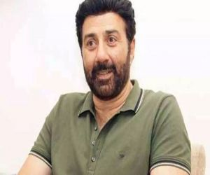 Sunny Deol recalls working with dad Dharmendra as Indian completes 20 yrs - Hindi News