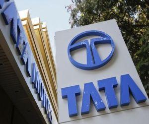 Tata Motors rolls out 10K units of all new Safari - Hindi News