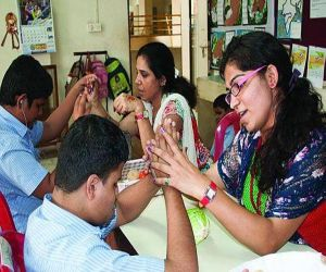In Rajasthan, the interpreter, who teaches deaf and dumb students, will get double the honorarium - Hindi News Portal