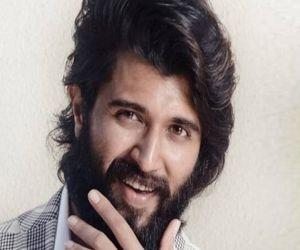 Director Sukumar to rope in Vijay Deverakonda in place of Allu Arjun for Arya 3 - Hindi News