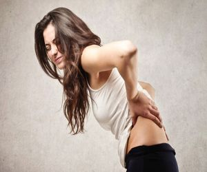 Get rid of back pain with the help of these home remedies - Hindi News